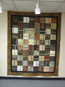 Lori's Quilt by Ruth Headley (hanging in Bear's Paw Quilts, Whitehorse, Yukon)